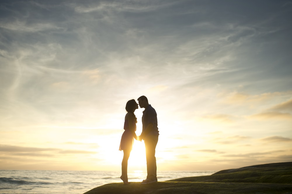 rock-sea-sky-nature-hike-happy-couple-love-marriage-proposal-engagement